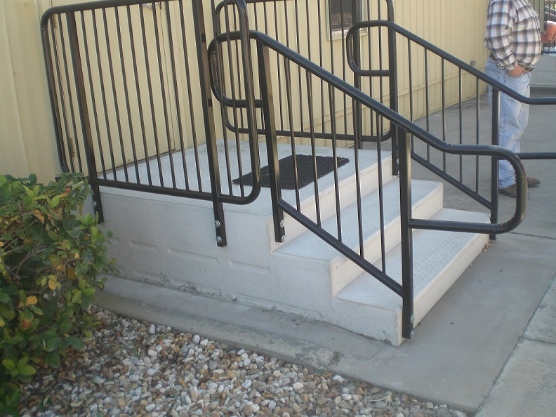 Standard Pipe-top railing with handicapped hoops